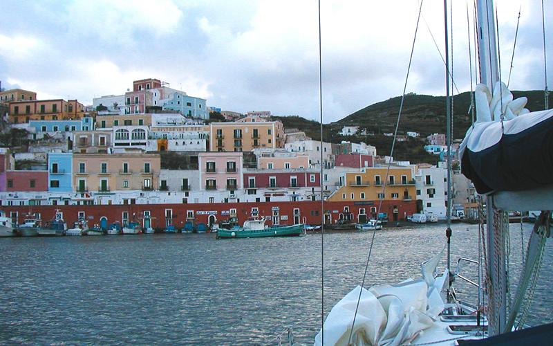 Itinerario per weekend in barca 2 giorni all isola d elba la bottega del mare - Bagno vela punta marina ...